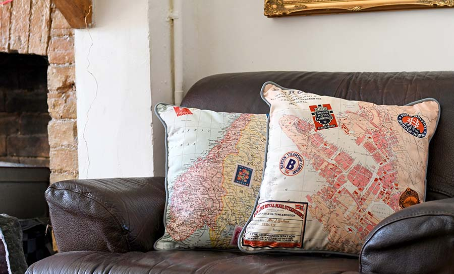 How to make vintage map pillows